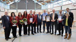 ab 2. v.l.n.r.: Heike Holstein, Annette Burkhardt, Melanie Seemann, Jochen Fauth, Alfred Hess, Helmut Spiegel